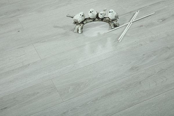 实木多层复合地板的性能介绍