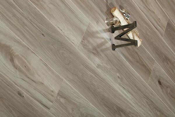 实木地板特点和物理性