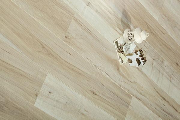 雅酷地板的保养措施