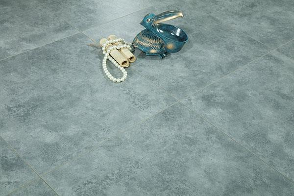 雅酷地板的防潮问题
